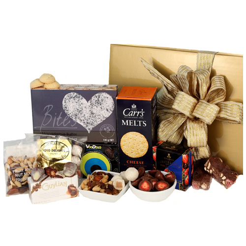 Gift hampers gift baskets gourmet delivered australia wide sweet and savoury gourmet gift hamper negle Gallery